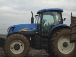 Трактор New Holland T7050