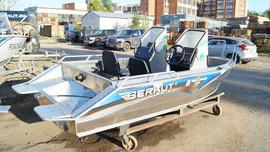 Продаем лодку (катер) Berkut S-TwinConsole 2