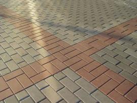 Асфальтирование дорог укладка асфальтовой крошки брусчатки