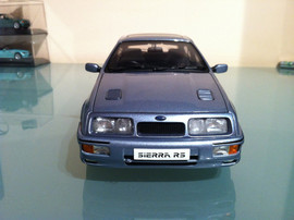 Модель FORD Sierra RS 1 18 Auto Art 7