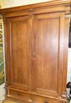 Продам антикварный шкаф из массива дуба XIXвека.