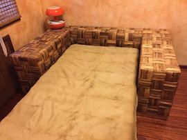 Продается дизайнерская кровать б/у 2