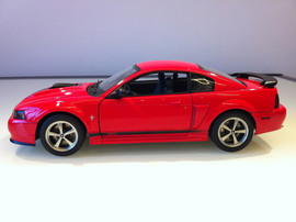 Модель FORD Mustang mach 1 2003 1 18 Auto Art 2