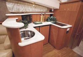 Продается моторная яхта Silverton 43 6