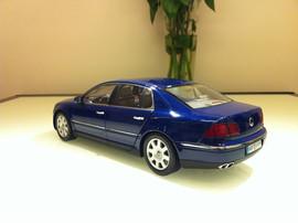 Модель VW Phaeton Auto Art 3