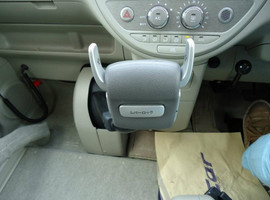 Toyota Porte хетчбек для водителя колясочника 6