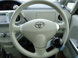 Toyota Porte хетчбек для водителя колясочника 7