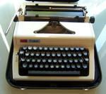 Продам пишущую печатную, механическую машинку Daro Erika (модель
