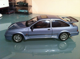 Модель FORD Sierra RS 1 18 Auto Art 2