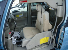 Toyota Porte хетчбек для водителя колясочника 8