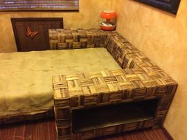Продается дизайнерская кровать б/у