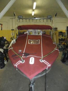 Реставрация и ремонт ходовых тентов, кресел, подушек на катера.