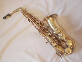 Тема: продам Альт саксофон Jupiter SAS - 767 полупроф