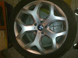 Продам диски+резина на BMW 2шт.