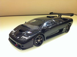 Модель LAMBORGHINI DIABLO GTR Black 1 18 Auto Art