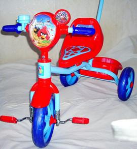 Велосипед трехколесный с ручкой Angry Birds , корзинка 2