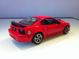 Модель FORD Mustang mach 1 2003 1 18 Auto Art 6