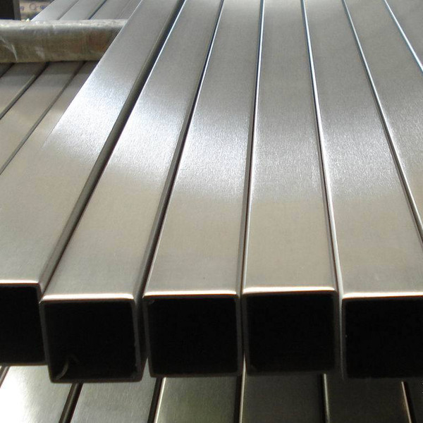The pipe sections are stainless steel to DIN 2395