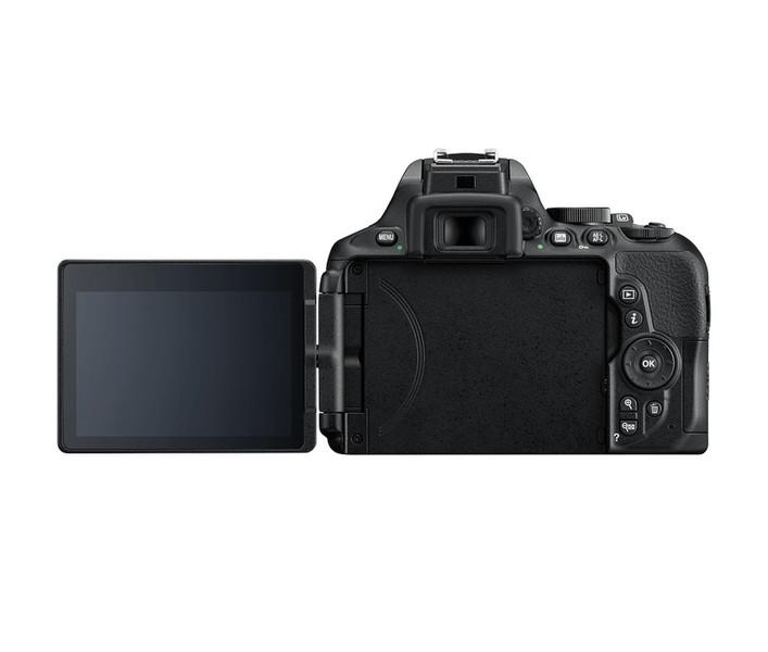 Nikon D5600 24.2МП CMOS 6000 x 4000пикселей Черный